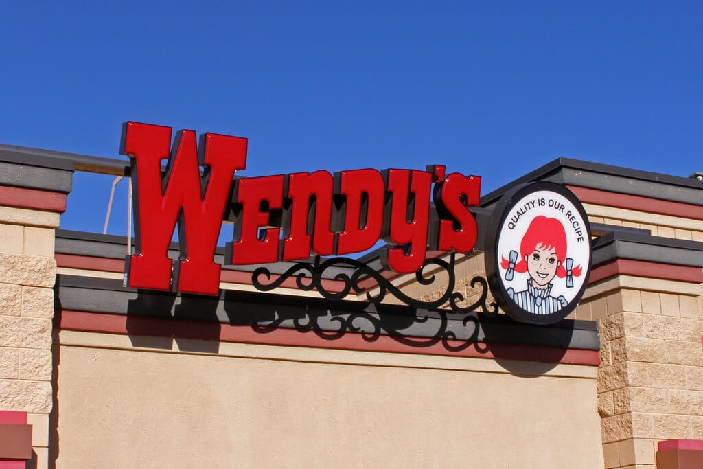 wendys delivery areas hours fees