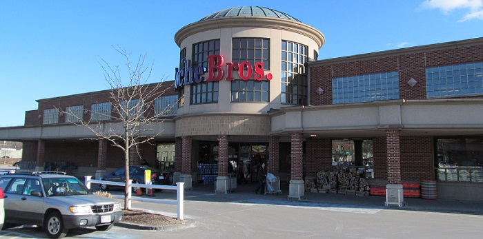 a large Roche Brothers store