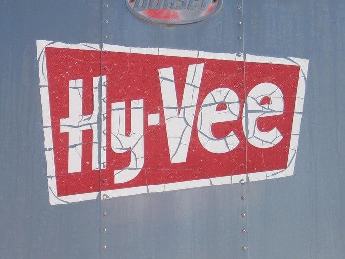 HyVee delivery logo